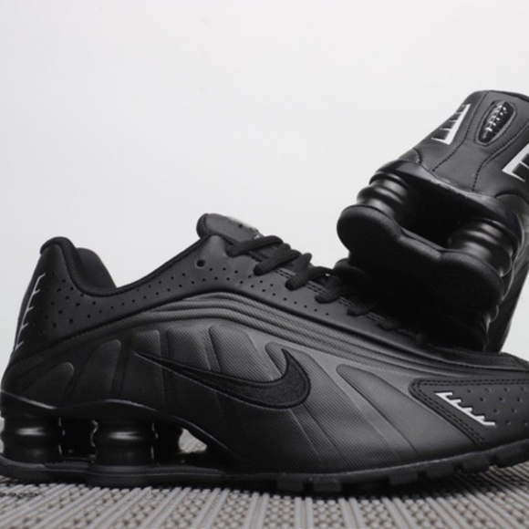 New Men s Nike Shox Size 10 With Box 7077e67bc